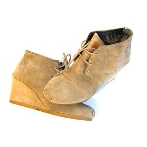 Tom's suede ankle booties 6.5